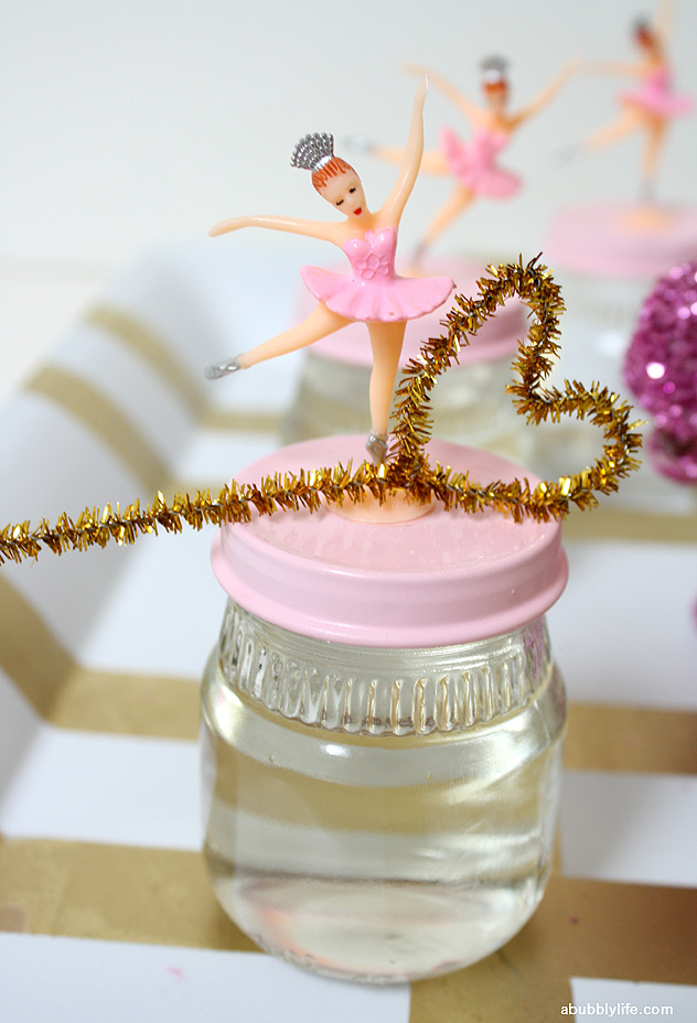 DIY party favors: Bubble mix in a jar (with a lid to match your theme!)
