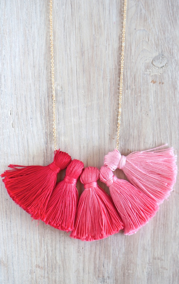 DIY ombre tassel necklace - a party you wear around your neck! ; )