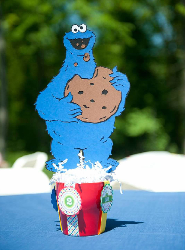Sesame Street birthday party Cookie Monster centerpiece