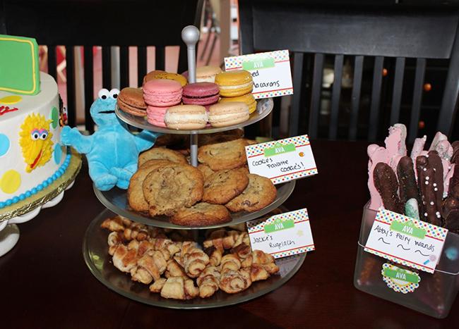 Sesame Street birthday party! Cookie Monster's cookies