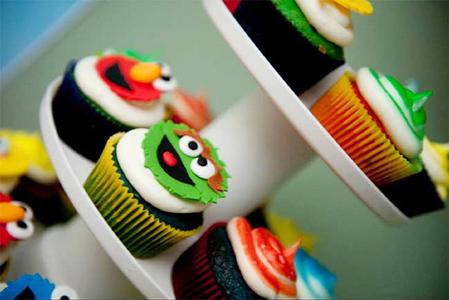 Sesame Street birthday party cupcakes