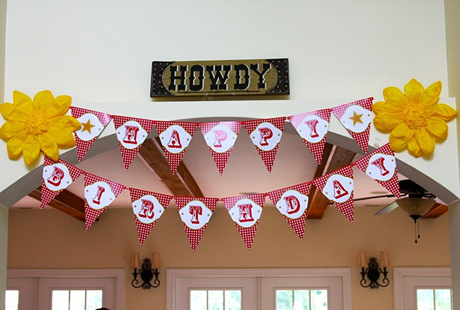 Country-western birthday party - printable banner from Chickabug