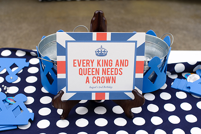 """London Calling"" 2nd birthday party - crown activity station! DIY printable sign from Chickabug"