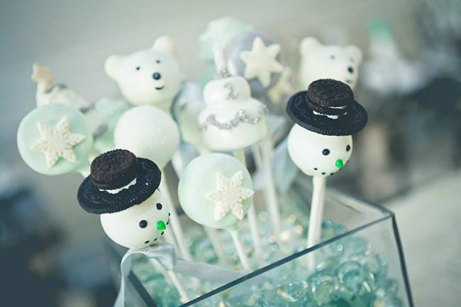 Winter One-derland Birthday Party - cake pops