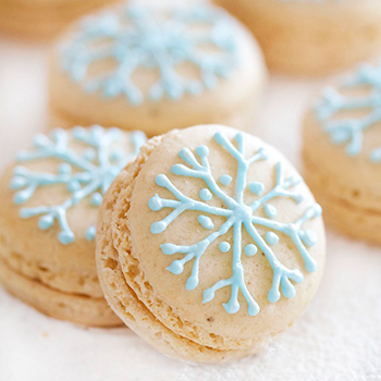 Snowflake macarons by EpicureanMom.com