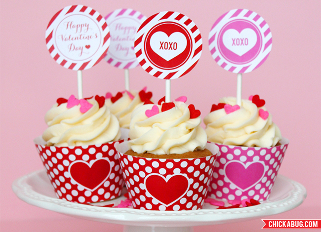Free Printable Valentine S Day Cupcake Wrappers And Toppers Chickabug