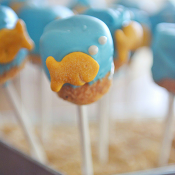 How to make goldfish marshmallow pops - so cute for a party!
