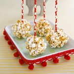Easy party food: Popcorn balls on a stick