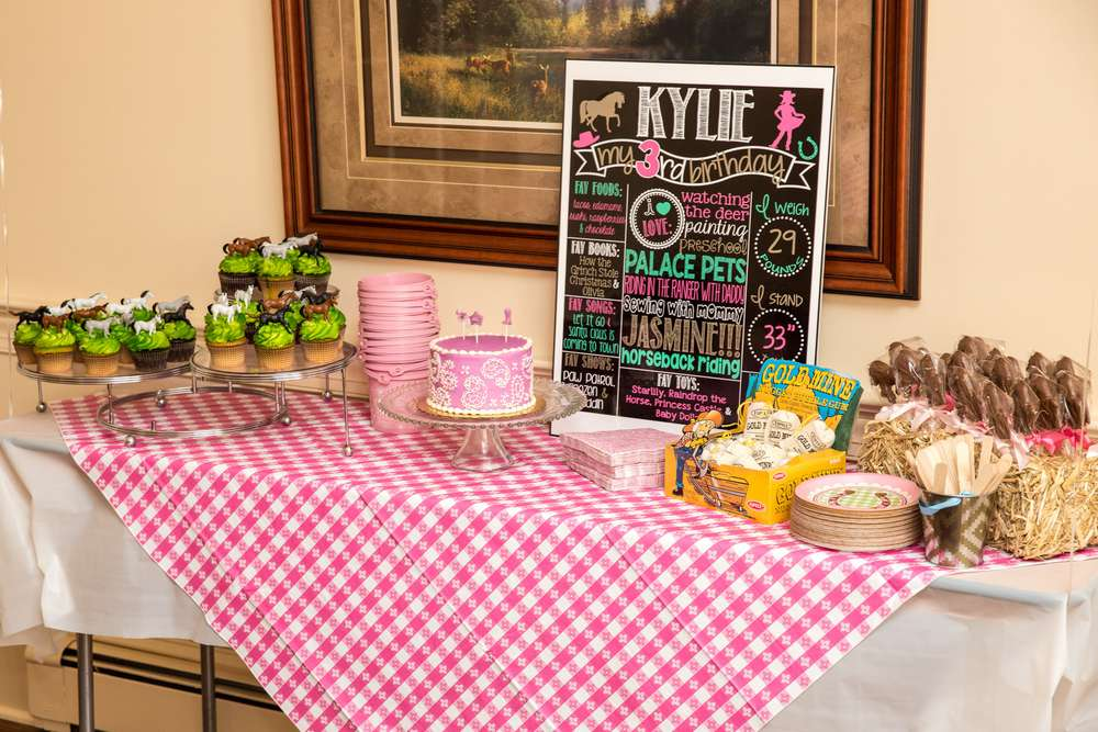 Pink country-western cowgirl birthday party!