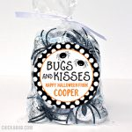 Easy and CUTE Halloween treats! Personalized stickers and bags from #Chickabug