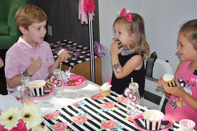 Adorable Hello Kitty birthday party!